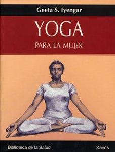No cabe duda de que Geeta S. Iyengar, hija del ilustre B.K.S. Iyengar (exponente del Yoga de fama mundial), posee el don del Yoga en su sangre. El propósito de Yoga para la mujer consiste en ayudar a todas aquellas mujeres que se encuentran bajo constantes presiones físicas, emotivas y mentales. La autora sostiene que el sosiego y la salud pueden alcanzarse con la ayuda del Yoga, sin necesidad de fármacos. Y es que el Yoga es capaz –en primer lugar– de tranquilizarnos; luego, de despertar la mente; por último, el Yoga prepara el camino para el reposo espiritual.